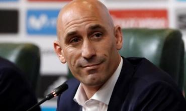 Глава Федерации футбола Испании обвиняется в нападении на женщину и нанесении побоев