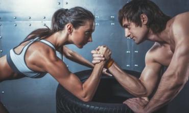 Як накачати руки у домашніх умовах: програма тренувань для чоловіків та жінок