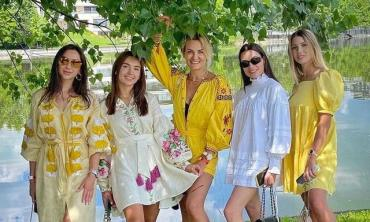 Жены футболистов сборной Украины приехали в Бухарест поддержать мужей