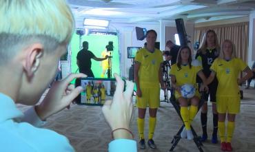 Шутки, приколы и позитивный настрой. Как женская сборная Украине фотосессию проводила