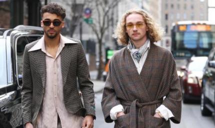 Пользователи сети высмеяли молодых звезд Эвертона за их комичные наряды. ФОТО