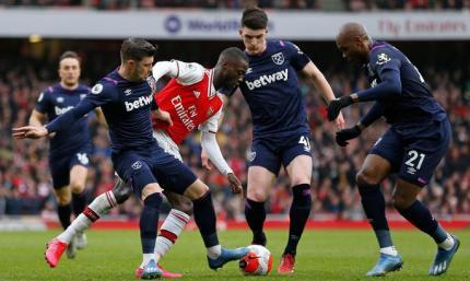 АПЛ. Арсенал обыгрывает Вест Хэм, Шеффилд справляется с Норвичем