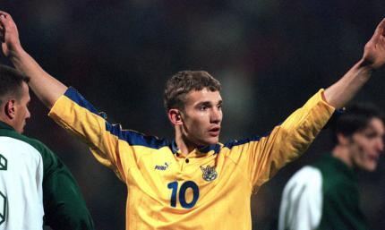 Шевченко заметил, что на выступление Украины в отборе на ЧМ-2002 оказало влияние качество полей