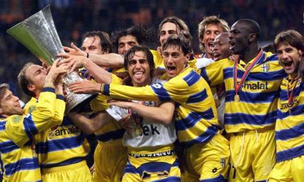 21 год назад великолепная Парма завоевала кубок УЕФА - в их составе играли Буффон, Каннаваро и Креспо