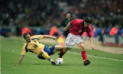 В этот день двадцать лет назад Украина впервые сыграла против Англии. Подопечные Лобановского не сделали сенсацию