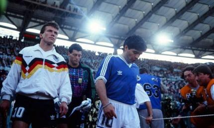 Слезы Марадоны и спорный пенальти в финале. 30 лет назад Германия стала Чемпионом Мира