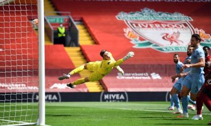Бернли прервал 24-х матчевую победную серию Ливерпуля на Энфилде