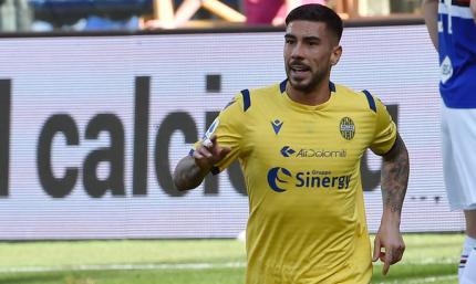 Полузащитник Эллас Вероны забил гол бисиклетой. В Италии его сравнили с Пеле - ВИДЕО