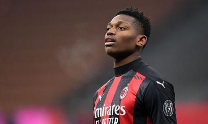 Один из основных нападающих Милана попал в сферу интересов Эвертона