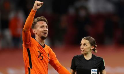 Отбор на ЧМ-2022. Нидерланды забили всего лишь два гола Латвии
