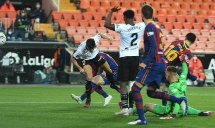 Примера. Валенсия - Барселона 2:3. Камбэк по-каталонски