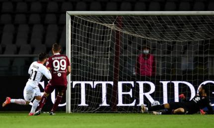 Голкипер Торино – партнерам после 6-го пропущенного от Милана: Вам нравится играть как дерьмо?