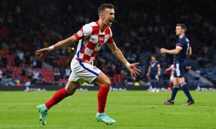 Перишич и Модрич тащат клетчатых дальше. Хорватия - Шотландия 3:1. Видео голов и обзор матча