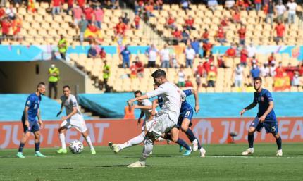 Мората не справился. Испания не забивает второй пенальти на Евро-2020