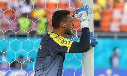 Бущан: За день до матча с Нидерландами мяч не мог поймать, шоры были приличные