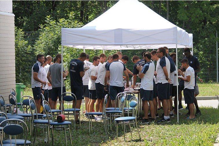 Олимпик по инициативе Жулио Сезара провел командное барбекю - изображение 4