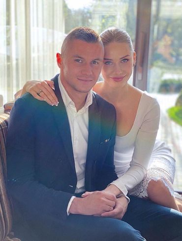 Дівчина дня. Красуня, яка вчора стала дружиною Олександра Зубкова. ФОТО