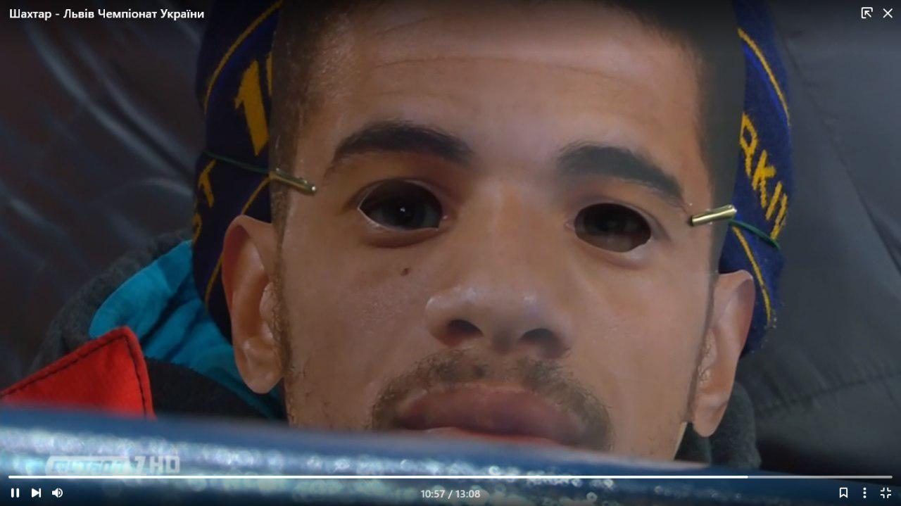 Вболівальники Шахтаря прийшли на матч зі Львовом у масках Тайсона - изображение 1