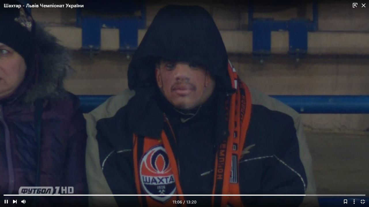 Вболівальники Шахтаря прийшли на матч зі Львовом у масках Тайсона - изображение 2
