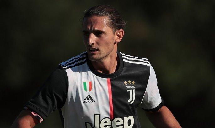 Анчелотти нужен полузащитник Ювентуса, однако борьбу за игрока также ведет Арсенал