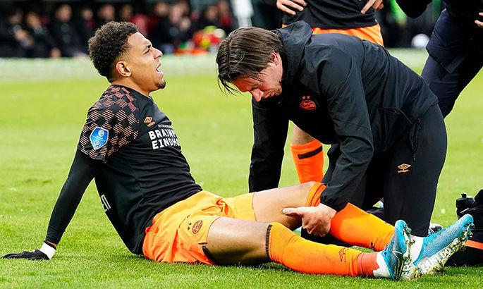 Форвард сборной Нидерландов травмировал колено и вероятно пропустит Евро-2020