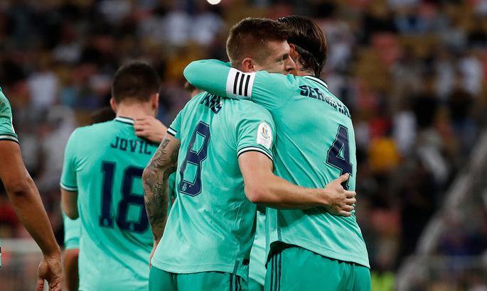 Реал у фіналі, оренда Сідклея, трансфер Дніпра-1. Головні новини за 8 січня