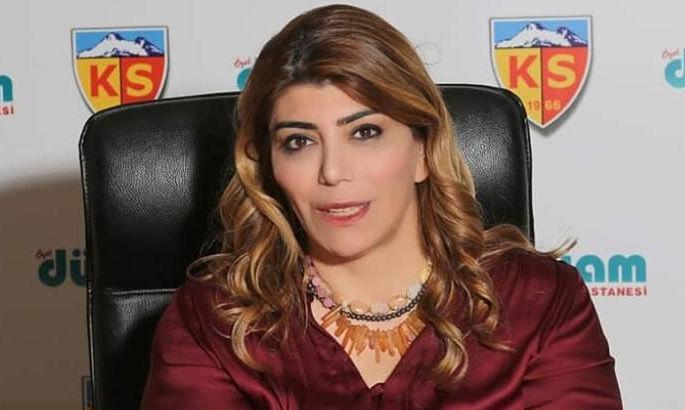 Первая в Турции женщина-президент футбольного клуба оплатила задолженное Артему Кравцу