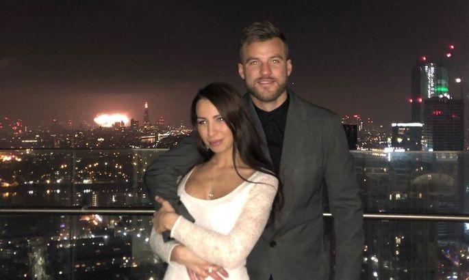Андрей Ярмоленко проспорил жене поход в лондонскую оперу. ФОТО