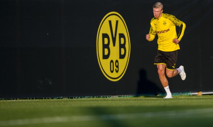 Аугсбург - Боруссия Дортмунд. Смотреть онлайн прямую видеотрансляцию матча Бундеслиги
