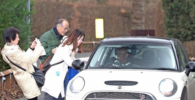 Н'Голо Канте всю карьеру в Англии ездит на бюджетном Mini и отказывается покупать дорогое авто. ФОТО - изображение 3