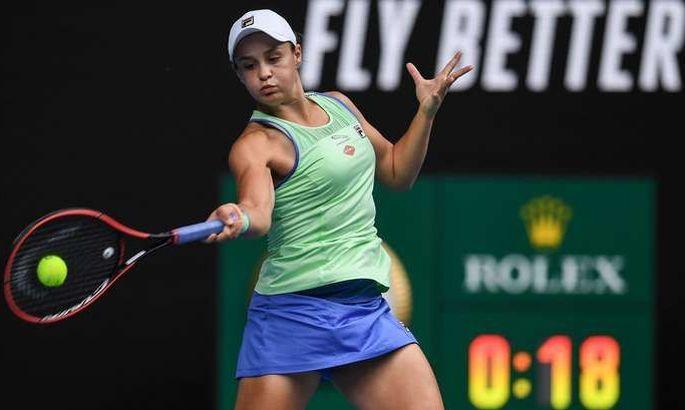 Australian Open. Барти с боями проходит Риск, чудо Гауф подошло к завершению