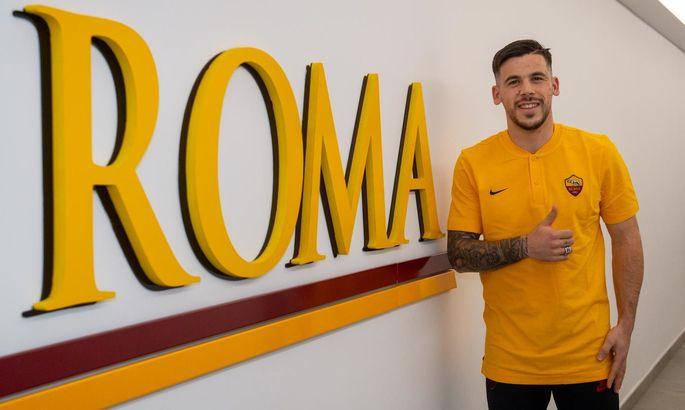 Офіційно: Рома орендувала Карлеса Переса у Барселони