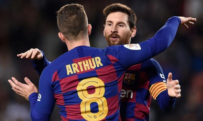 Сетьен: Артур остаётся игроком Барселоны как минимум до конца сезона