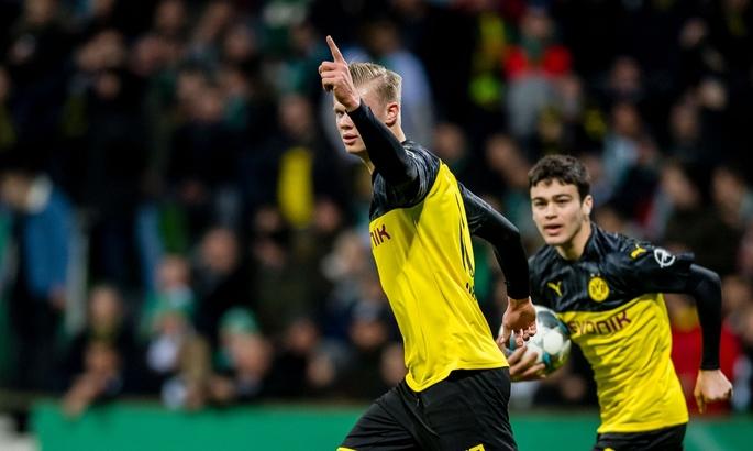 17-летний американец Джованни Рейна эффектно забил дебютный гол за Боруссию Дортмунд