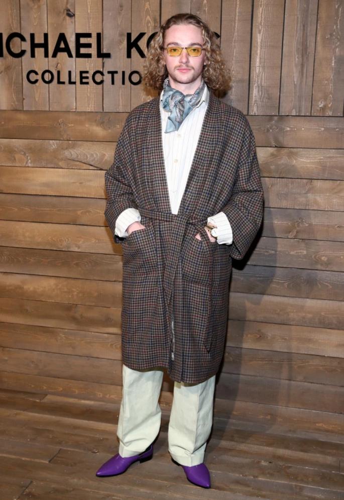 Пользователи сети высмеяли молодых звезд Эвертона за их комичные наряды. ФОТО - изображение 3