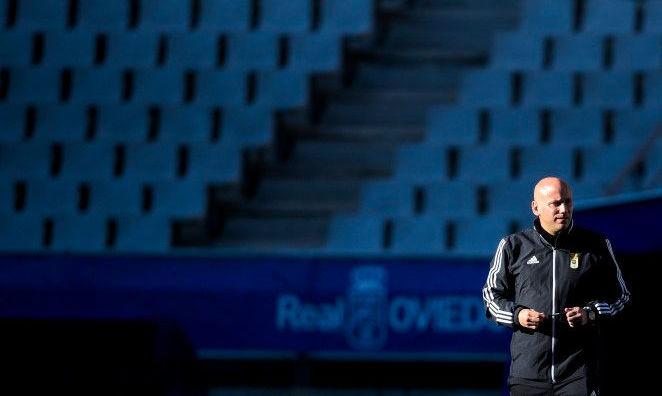 Овьедо Лунина уволил главного тренера