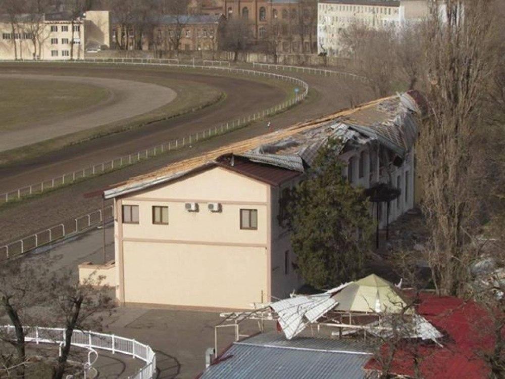 Шторм Юлия повредил стадион Черноморец - изображение 2