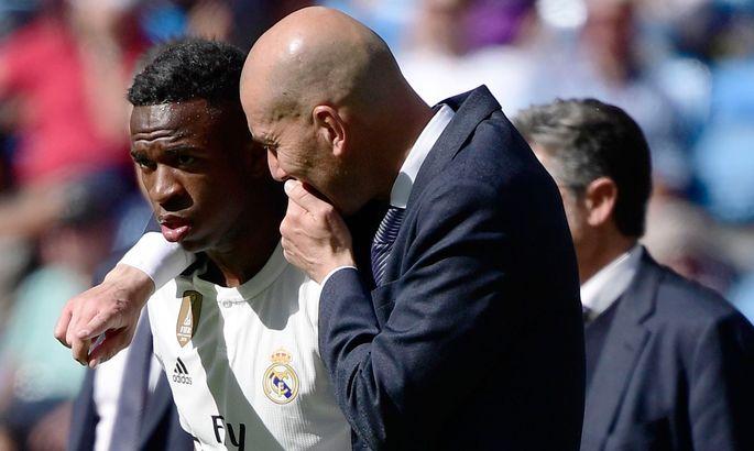 Винисиус разочарован игровым временем в Реале. За ситуацией следит ПСЖ