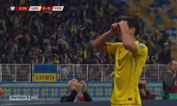 """Яремчук пояснив святкування голу у ворота Португалії """"окулярами"""""""