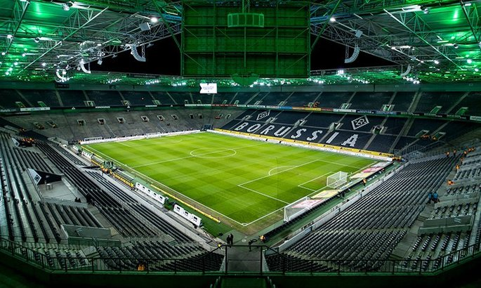 Рурське та рейнське дербі, і всі домашні матчі Баварії до середини квітня будуть зіграні без глядачів