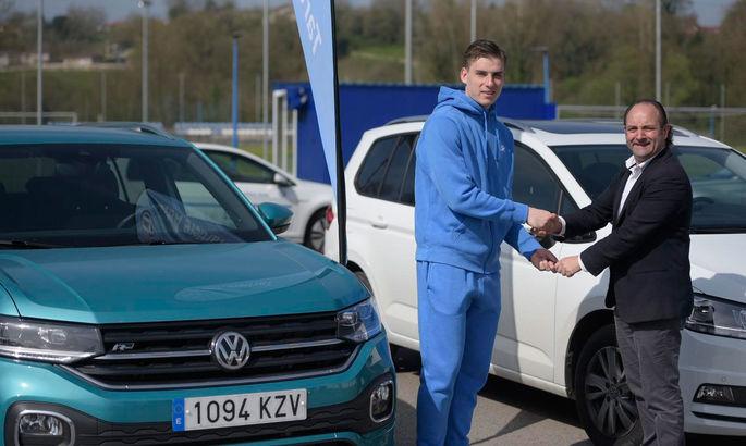 Лунін отримав від клубу спонсорський Volkswagen