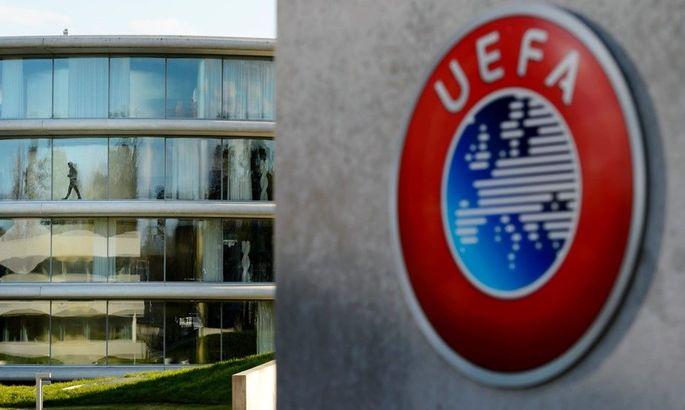 Конец июля, июня или августа. УЕФА предлагает три даты окончания сезона