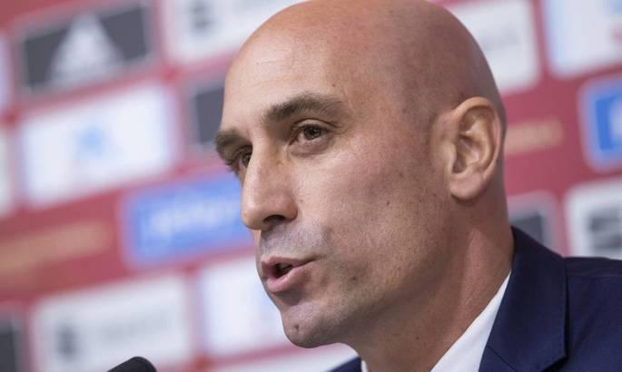 Глава Федерации футбола Испании уверен, что будет несправедливым заранее вручить титул текущему лидеру