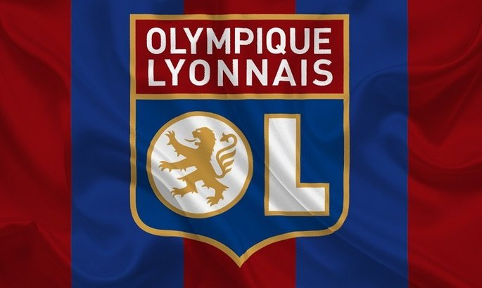 Вимушений крок: Французький клуб тимчасово призупинив виплату зарплатні гравцям
