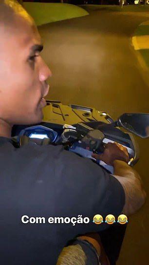 Дуглас Коста рискует получить штраф от Ювентуса за нарушения карантина со своей подругой. ФОТО - изображение 1