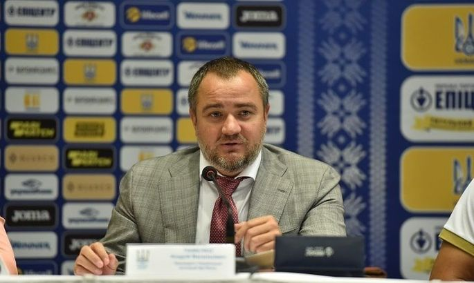 Павелко: Підтримав Миколенка по телефону. Він повинен бути сильніше і краще виступати