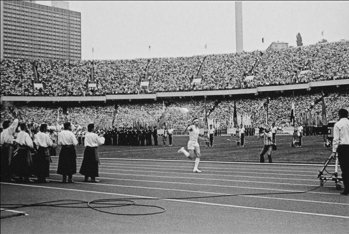 Республіканський стадіон до Олімпіади. Зірване відкриття і скандальна програма за 500 доларів - фото 3