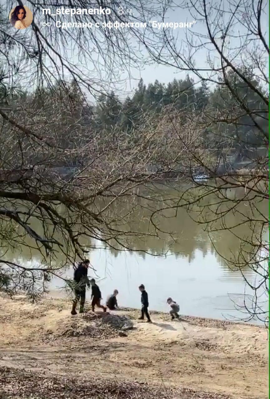 Тарас Степаненко з сім'єю відправилися на пікнік під час карантину. ФОТО - изображение 2
