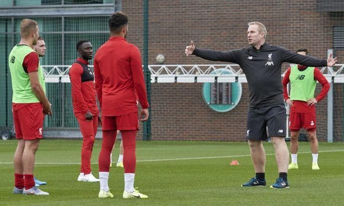 Тренер Ліверпуля по аутам заявив про готовність перейти в стан конкурентів