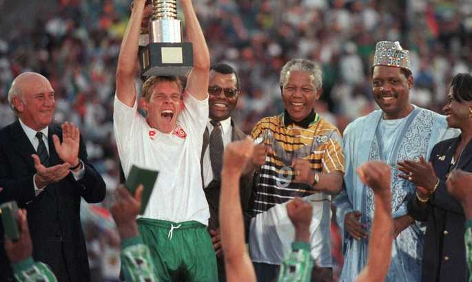 Футбол сильнее апартеида: как сборная ЮАР довела до слез Манделу